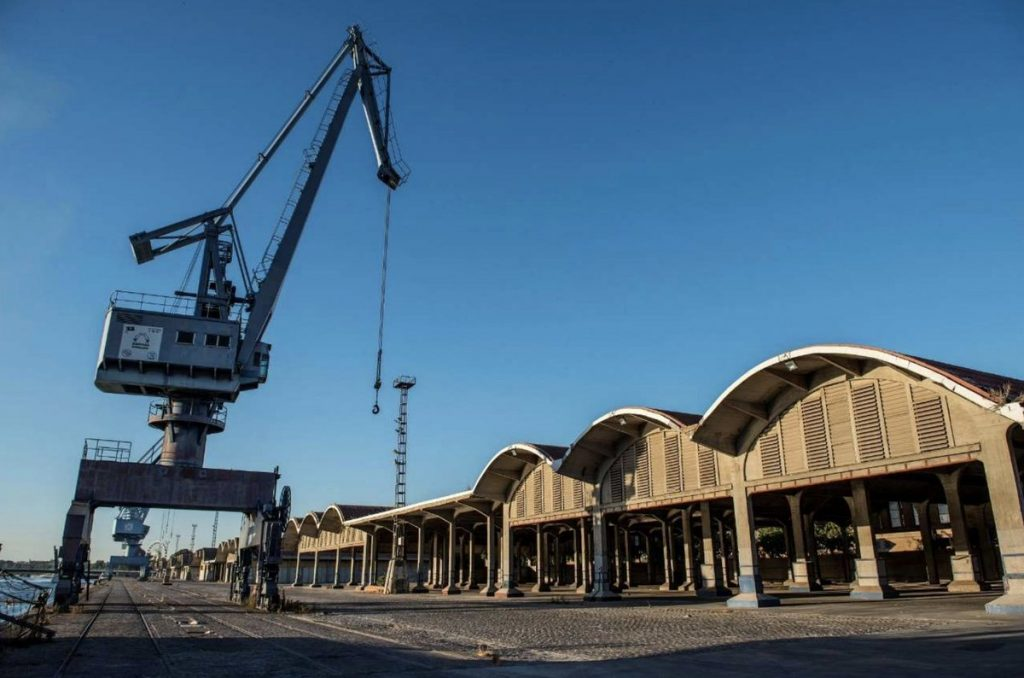 El proyecto de Ove Arup & Partners, del que forma parte Buró4, preseleccionado para la Oficina Técnica del distrito portuario de Sevilla