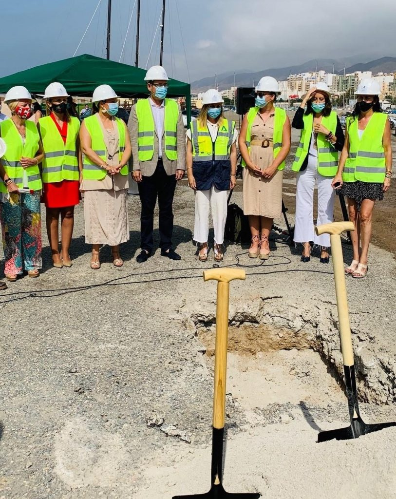Iniciada la reurbanización de la zona náutico-deportiva y el nuevo edificio de oficinas del puerto de Adra, con diseño de Buró4